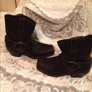 Frye brown harness boot New without tags size 5.5